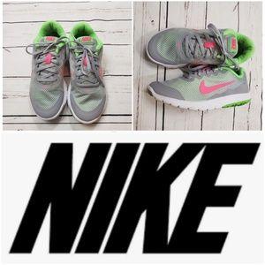 Nike womens running shoes 6